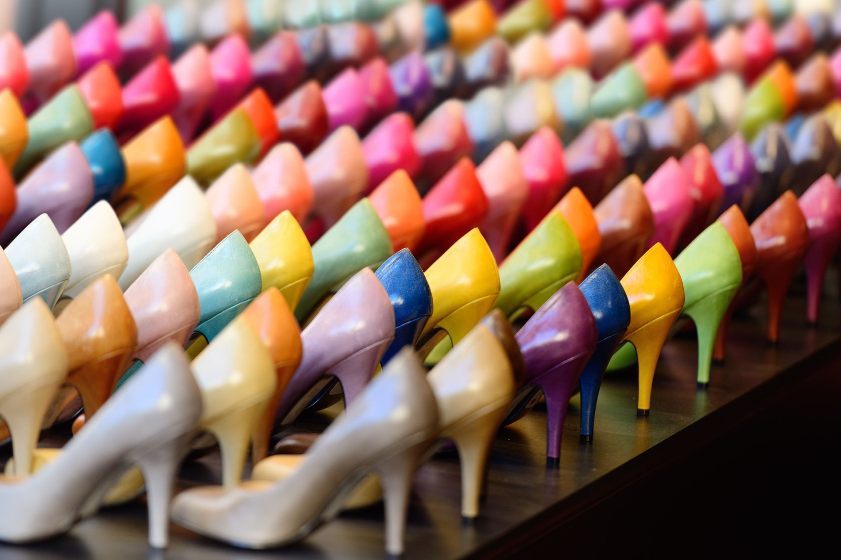 Shoes in Shop Window by Connel Design via 123RF.com